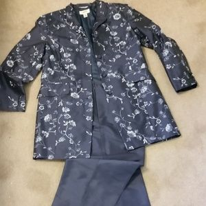 Talbots Pure Silk  Pant Suit 10 & 12